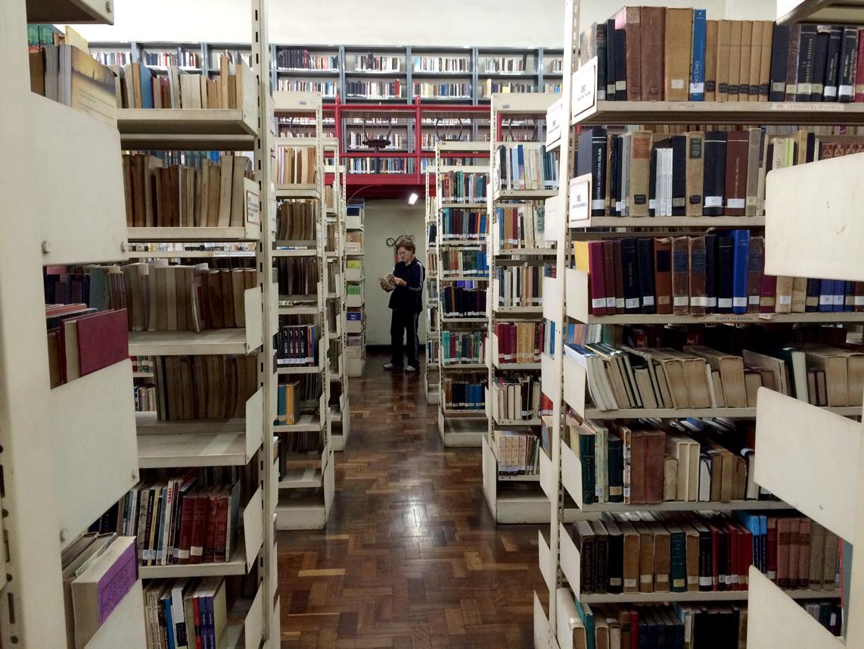 biblioteca-publica-curitiba-desejoliterario-2
