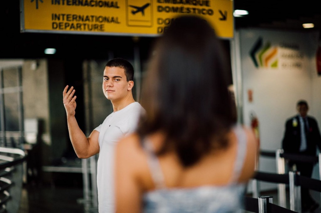 Ensaio pre-wedding no aeroporto de Fortaleza e em casa